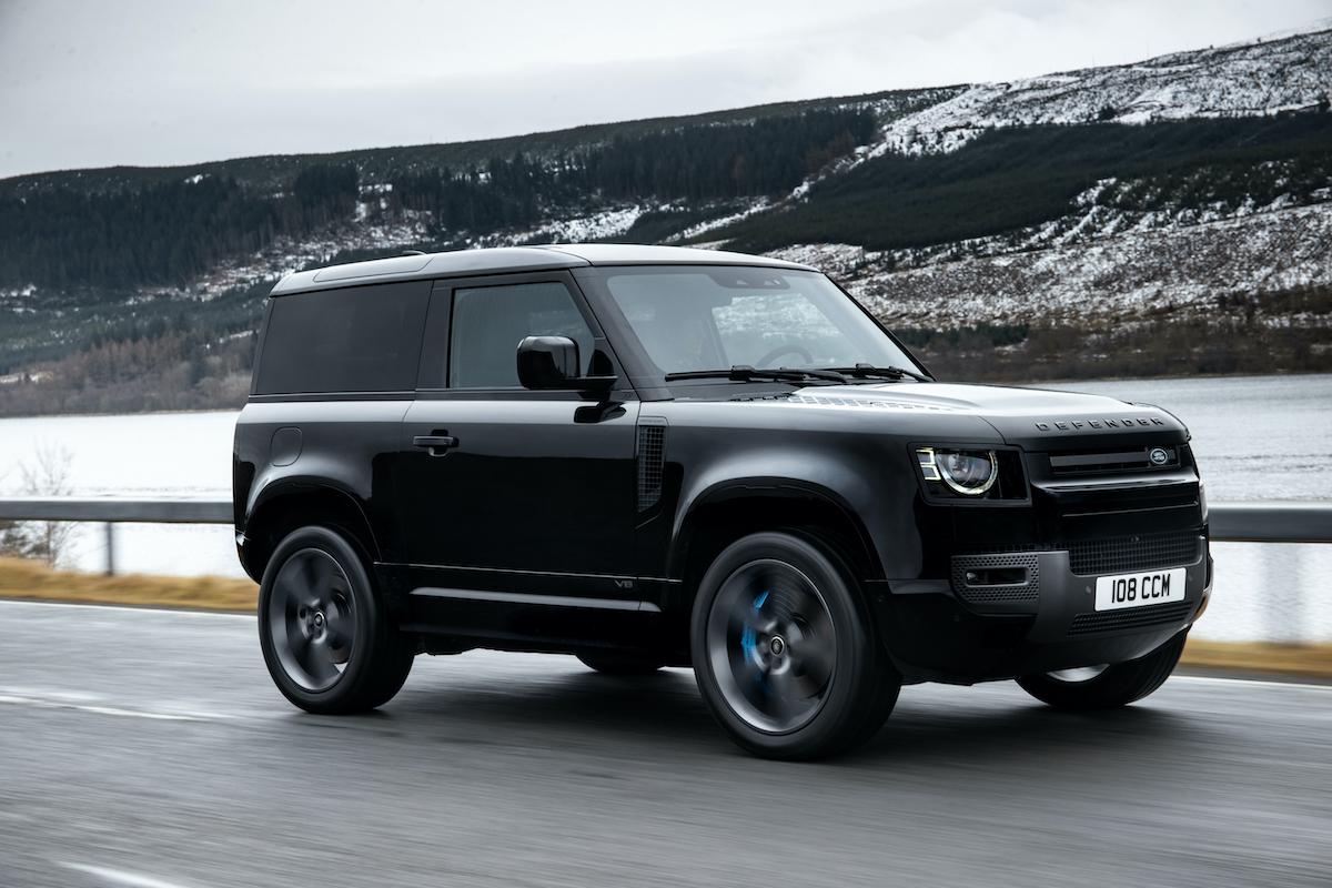 Land Rover lepelt V8 in Defender (2021) | Autofans