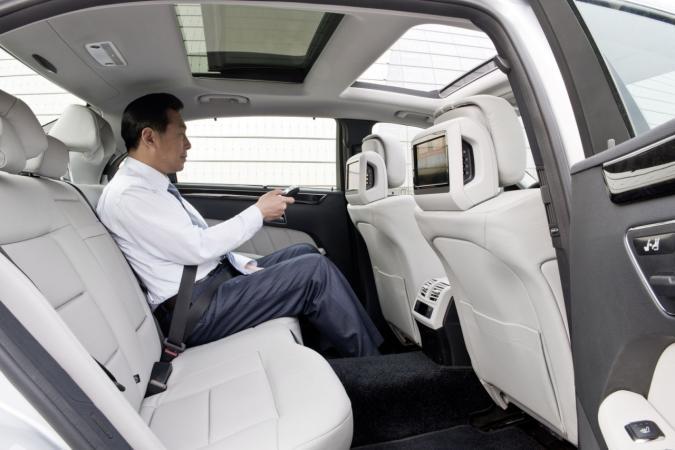 Mercedes E Klasse L Voor Chinese Markt Autofans