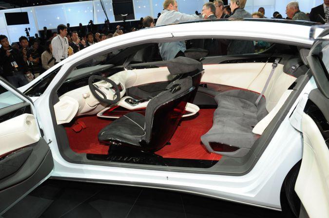 Nissan ellure interior