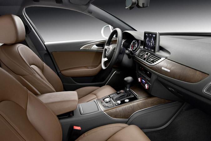 Gelekt audi a6 2011 autofans for Interieur audi a6 2000