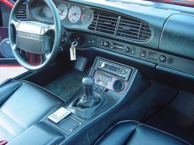 Vergeten auto 22 porsche 944 autofans for Porsche 944 interieur