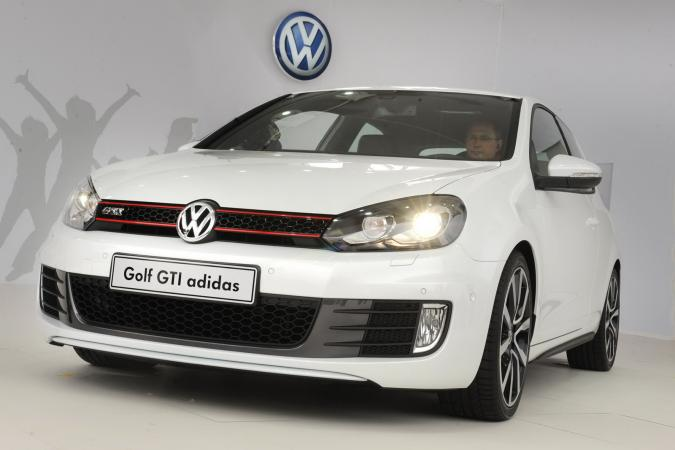 speciale reeks vw golf gti 39 adidas 39 autofans. Black Bedroom Furniture Sets. Home Design Ideas