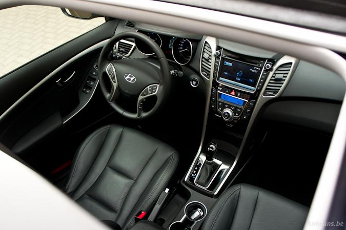 Rijtest: Hyundai i30 1.6 CRDi aut. (2012)   Autofans