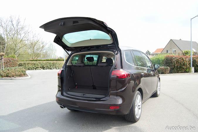 Rijtest opel zafira tourer 2 0 cdti autofans for Interieur zafira tourer