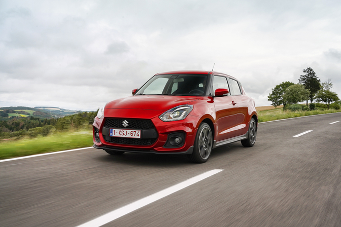 Suzuki Swift Sport 48v hybrid rijtest review