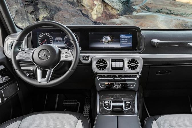 Mercedes toont interieur nieuwe g klasse autofans for Interieur mercedes a klasse