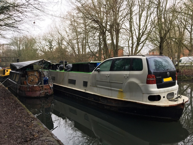 volkswagen-touran-kanaalboot