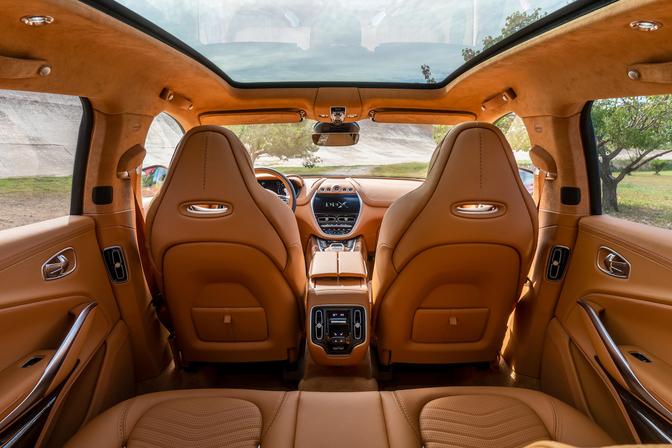 Aston Martin DBX interieur