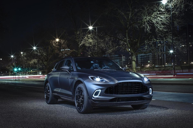 Aston Martin DBX Q 2020
