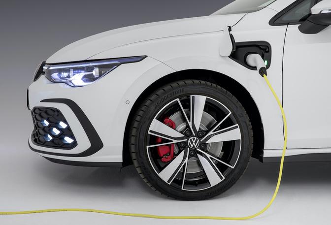 Volkswagen Golf 8 GTE Genève 2020