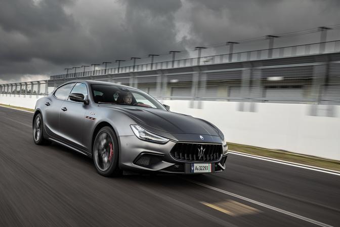 Essai: Maserati Ghibli Trofeo (2021)