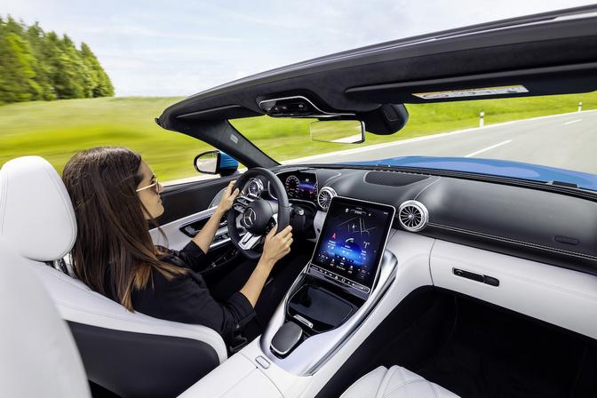 Mercedes-AMG SL teaser