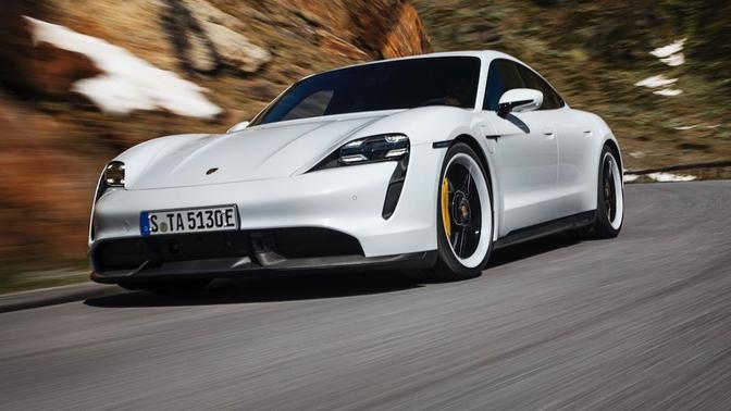 Porsche rappelle les Taycan