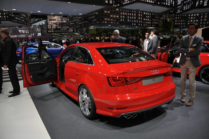 live op de iaa 2013 audi s3 berline autofans. Black Bedroom Furniture Sets. Home Design Ideas