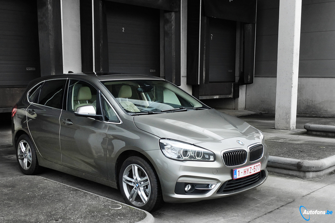 rijtest bmw 218d active tourer autofans. Black Bedroom Furniture Sets. Home Design Ideas