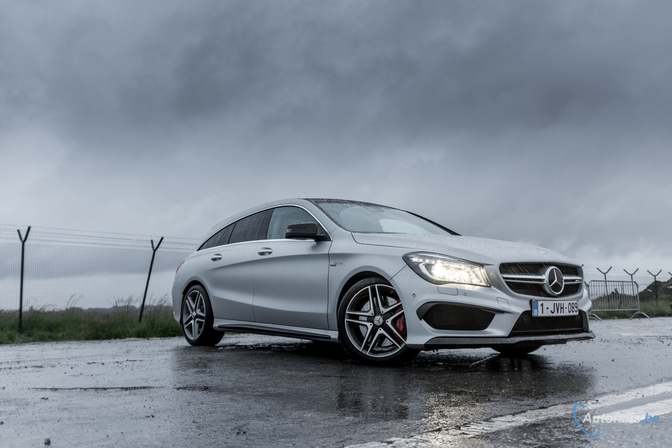 rijtest mercedes cla 45 amg shooting brake 4matic 2015 autofans. Black Bedroom Furniture Sets. Home Design Ideas