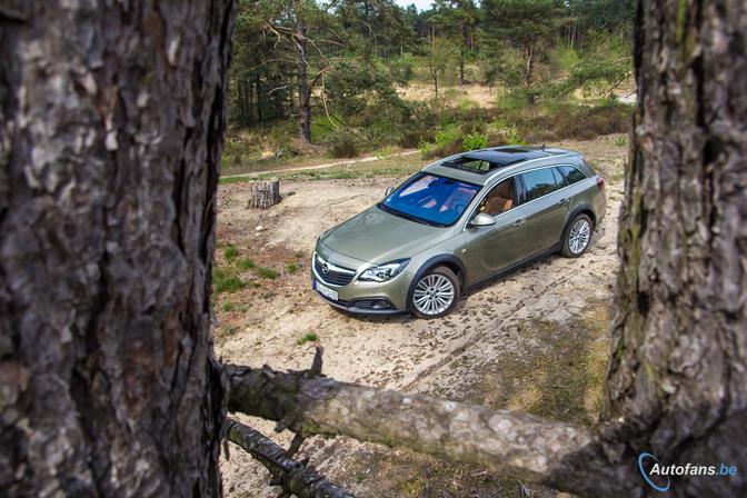 Rijtest-Opel-Insignia-Country-Tourer-Turbo-2014