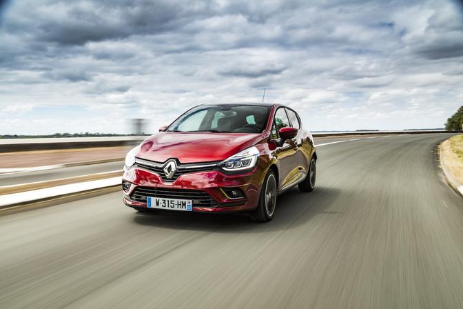 Rijtest-Renault-Clio-4-Phase2-facelift-2016_01