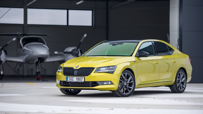 skoda-superb-sportline-dragon-skin-gold_01