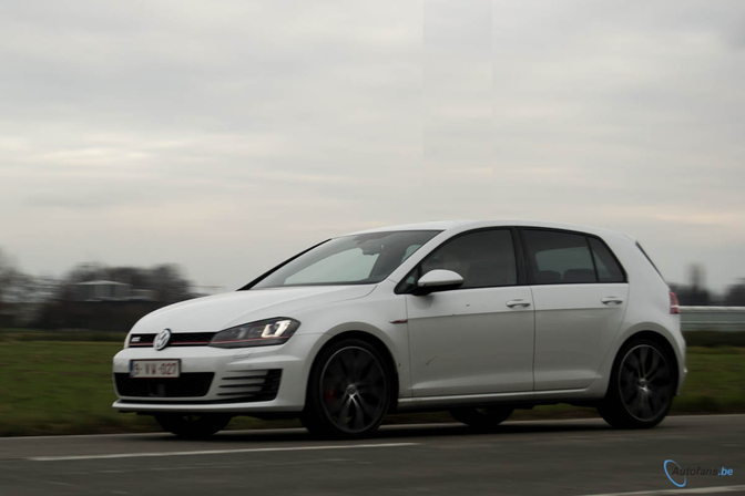 rijtest volkswagen golf vii gti performance autofans. Black Bedroom Furniture Sets. Home Design Ideas