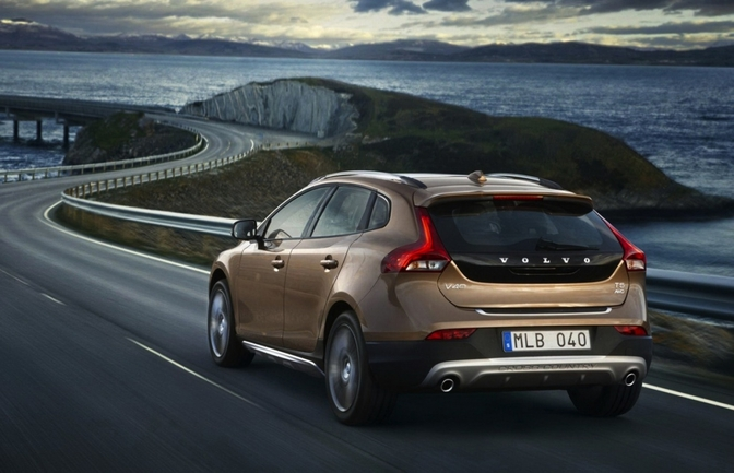 Volvo V40 Cross Country Price List - Volvo Car UK