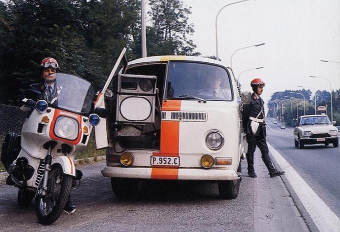 flitsen-politie-vintage-volkswagen-t2-rijkswacht