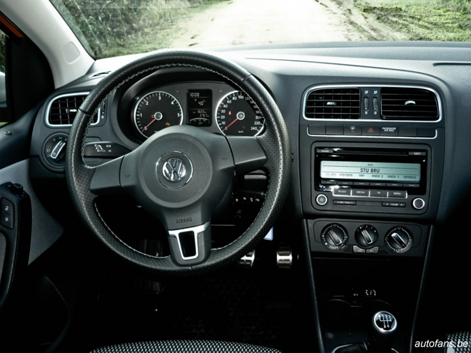 volkswagen crosspolo 2011 1 6 tdi 75 autofans. Black Bedroom Furniture Sets. Home Design Ideas