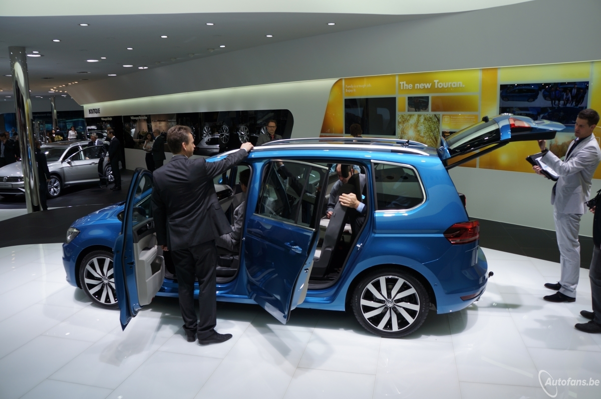volkswagen touran 2015 gen ve 2015 autofans. Black Bedroom Furniture Sets. Home Design Ideas