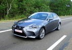 2017-lexus-is300h