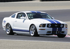 2005_ford_mustang_gt_deluxe