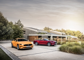 2017_ford_mustang