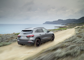 mercedes-gla-2019_official