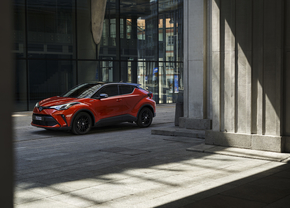toyota-chr-2019-test-review-autofans