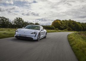 Porsche Taycan Turbo S rijtest Autofans 2020