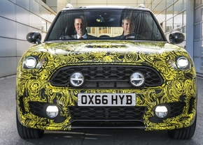 mini-countryman-plug-in_01