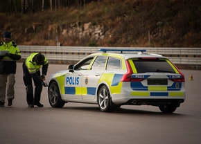volvo_v90_swedish_police_car_1