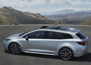 toyota-corolla-touring-sports-2018-no-auris-official_2