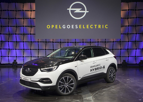 2019-opel-goes-electric-grandland-x-hybrid4-507081