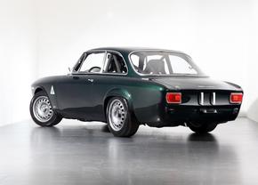 Alfaholics Carbon GTA-R 300
