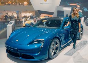 Porsche Taycan Veronique De Kock Autosalon Brussel Autofans 2020
