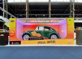 Autoworld Volkswagen Kever wedstrijd schaalmodel