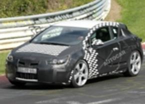 Opel Astra Coupé spyshot