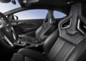 Opel Astra OPC is goed voor je rug