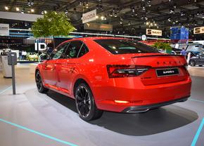 plug-inhybride hybride  autofans autosalon 2020