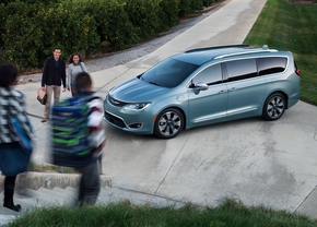 chrysler-pacifica-2016_3
