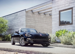 fiat-124-spider-2015-official_2