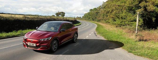 Ford Mustang Mach-E rijtest 2021